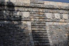Vista laterale della diga Fotografie Stock