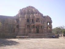 Vista laterale della fortificazione India di Gwalior del tempio di Sahastrabahu Immagine Stock Libera da Diritti