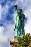 Vista laterale della statua della libertà a New York Fotografia Stock Libera da Diritti