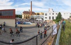 Vista laterale della zona commerciale della vecchia città Fotografia Stock