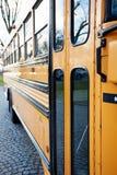Vista laterale dello scuolabus Fotografie Stock Libere da Diritti