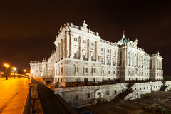 Vista laterale di notte di Royal Palace Fotografie Stock Libere da Diritti