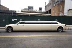Vista laterale New York delle limousine di allungamento Fotografie Stock