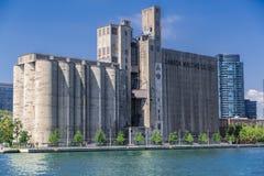 Vista lindo agradável da planta de maltagem velha de Canadá do vintage Imagem de Stock