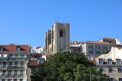 Vista a Lisboa con la catedral de St Mary Foto de archivo libre de regalías