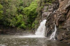 Vista livellata del fiume delle cadute di Linville Fotografie Stock