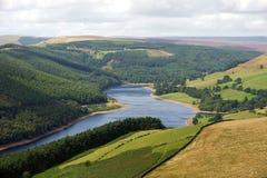 Vista lungo il bacino idrico di Derwent fotografia stock
