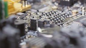 Vista macra de la placa de circuito del ordenador metrajes