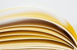 Vista macra de las paginaciones del cuaderno imagen de archivo