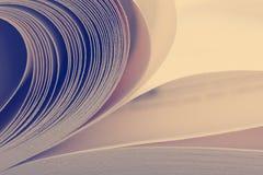 Vista macra de las paginaciones del libro Imagen entonada Copie el espacio para el texto foto de archivo