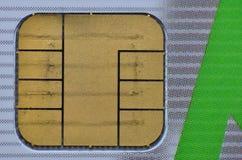 Vista macra del microprocesador en tarjeta de crédito Imagen de archivo