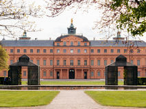 Vista maestosa dello Schloss Rastatt, anche conosciuta come Residenzschl fotografia stock libera da diritti