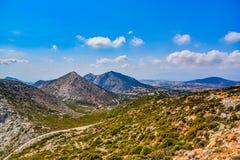 Vista magnífica del paisaje de la isla mediterránea Naxos en Grecia fotografía de archivo