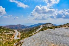 Vista magnífica del paisaje de la isla mediterránea Naxos en Grecia foto de archivo