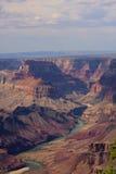 Vista majestoso da garganta grande no crepúsculo Fotos de Stock Royalty Free