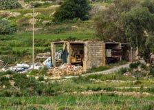 Vista maltese asciutta della campagna, Xemxija e Manikata, Malta fotografia stock