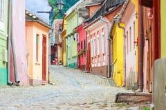 Vista medievale della via in Sighisoara Fotografia Stock
