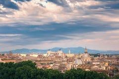 Vista meravigliosa aerea di Roma al tramonto, Italia Fotografia Stock