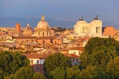 Vista meravigliosa aerea di Roma al tramonto, Italia Fotografie Stock