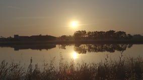 Vista meravigliosa del lago 5 video d archivio
