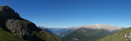 Vista meravigliosa del panorama glorioso dell'alpe nel Tirolo del sud Fotografia Stock