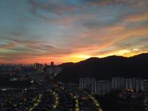 Vista meravigliosa di alba della città dell'isola immagini stock