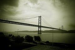 vista misteriosa del ponte sospeso Immagini Stock