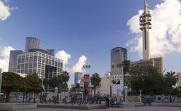 Vista moderna delle costruzioni dal museo di Art Square su re Saul Ave Fotografia Stock