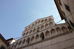vista molto piacevole della torre di Pisa immagine stock libera da diritti