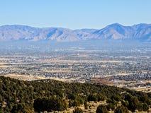Vista montañas delanteras de Salt Lake del desierto del valle y de Wasatch en Autumn Fall que camina Rose Canyon Yellow Fork, roc foto de archivo libre de regalías