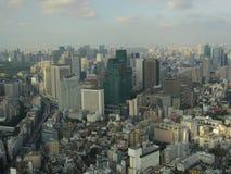 Vista na arquitetura da cidade do centro do Tóquio de cima de imagem de stock