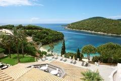 Vista na baía azul Imagens de Stock