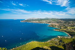 Vista na baía do ` Azur da costa d Fotos de Stock Royalty Free