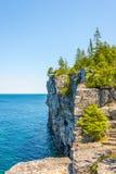 Vista na borda da angra principal indiana em Bruce Peninsula National Park - Canadá imagem de stock
