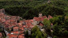 Vista na cidade velha de Rivello em Itália vídeos de arquivo