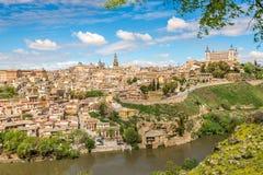 Vista na cidade velha de Toledo com rio de Tejo Foto de Stock Royalty Free