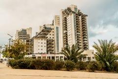 Vista na construção na cerveja Sheva Arquitetura moderna em Israel fotografia de stock royalty free