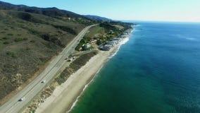 Vista na Costa do Pacífico e em uma estrada vídeos de arquivo