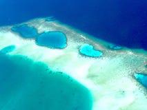 Vista na ilha de Maldivas de cima de Foto de Stock