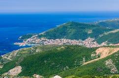 Vista na montanha, no mar e no Budva Imagem de Stock