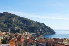 Vista na paisagem do telhado de Bonassola, vila perto de Cinque Terre, Liguria Itália fotografia de stock
