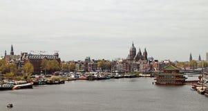 Vista na parte de Amsterdão velha, Países Baixos Foto de Stock Royalty Free