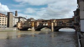 Vista na ponte velha em Florença Fotografia de Stock
