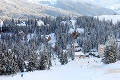 Vista na vila da parte superior da montanha Imagem de Stock Royalty Free