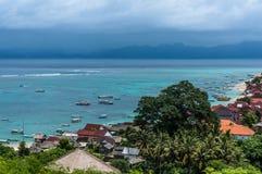 Vista na vila do mar do ponto de vista Imagem de Stock Royalty Free