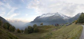 Vista nebbiosa della valle Fotografia Stock Libera da Diritti