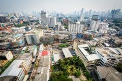 Vista nebulosa del distrito de Ratchathewi, en Bangkok, Tailandia Fotos de archivo