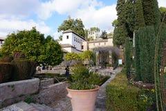 Vista nel giardino di Generalife, Granada, Spagna Immagini Stock Libere da Diritti
