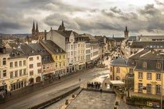Vista nella città medievale di Treviri immagini stock