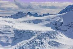 Vista nelle alpi svizzere Immagine Stock